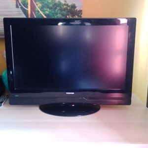 "Toshiba 32"" LCD TV for Sale in Queens, NY"