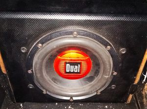 "8"" inch Sub and Built-in 300 Watt Amp for Sale in San Antonio, TX"