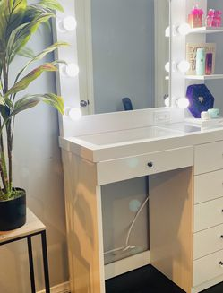 Vanity Mirror And Desk , 6 Drawers , Glass Top, Brand New! for Sale in Long Beach,  CA