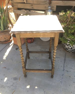 Table antique for Sale in LAKE MATHEWS, CA