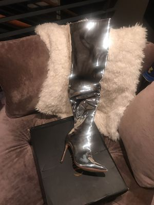 Silver metallic thigh high boots never been Eien size 7 for Sale in Aurora, CO
