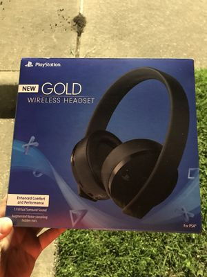 PS4 headset and media remote control for Sale in Dallas, TX