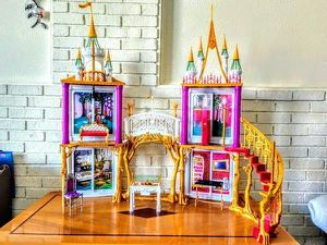 Ever After High Dolls Castle Playset With Accessories(No Dolls) for Sale in Revere, MA