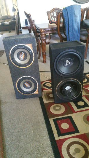 10 inch kickers and 12lanzar addictive audio for Sale in Fresno, CA