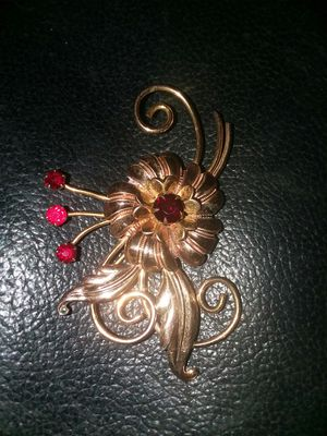 Vintage Gold Brooch for Sale in Springfield, MO