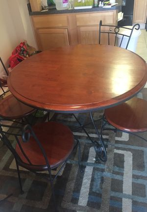 Dinning table for Sale in Alexandria, VA