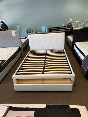 Queen size platform bed frame with storage drawer for Sale in Glendale, AZ