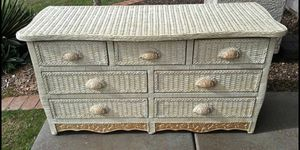 Pier 1 Jamaican Collection 7 Drawer Dresser / Ahwatukee for Sale in Phoenix, AZ