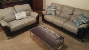 Couch & love seat for Sale in Phoenix, AZ