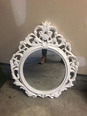 White wall mirror for Sale in Columbus, OH