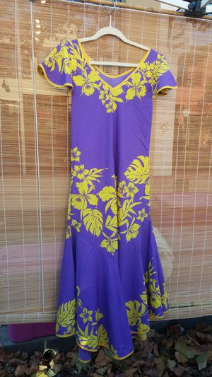 Beautiful Hawaiian muumuu for Sale in Stockton, CA