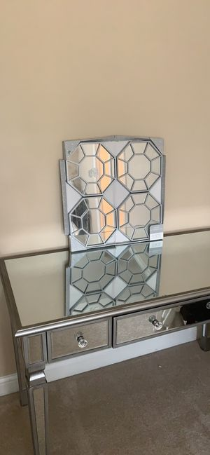 Mirror Wall decor for Sale in UPPER ARLNGTN, OH