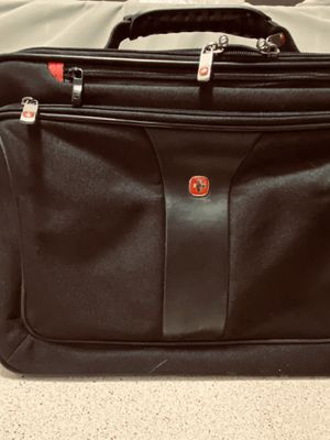 "2 Pieces: Swissgear Laptop case and sleeve for size 15-16"" for Sale in Lewisville, TX"