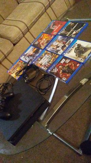 Ps4 32gb with games for Sale in Willimantic, CT