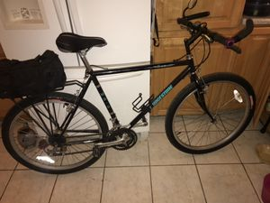 Mountain bike medium. Excellent condition. Must see for Sale in US