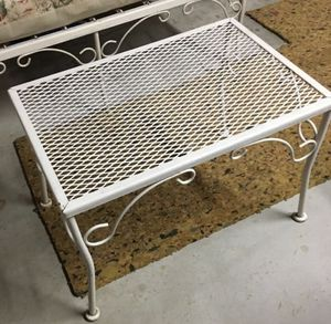 "Vintage Metal Outdoor Furniture Coffee Table 24""w x 15.5""l x 16.5""h Great Condition! for Sale in Wayne, PA"