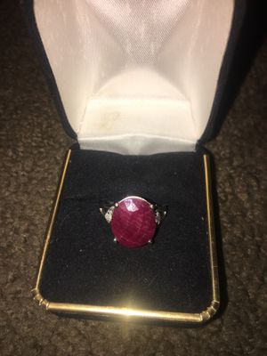 10K Gold Ruby Ring Size 7 for Sale in Indianapolis, IN