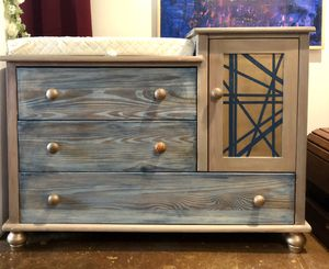 Changing table/Dresser and Full size Crib for Sale in Long Beach, CA