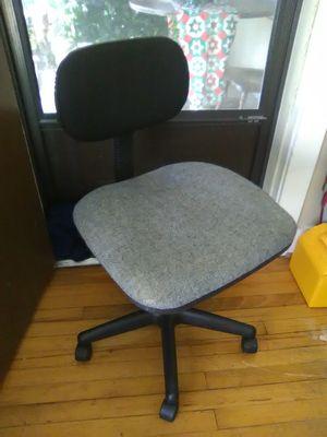 Swivel Desk Chair for Sale in Huntsville, AL