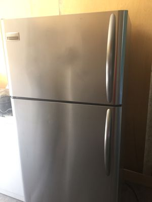 Refrigerador de stainless steel trabaja completamente precio firme garantía incluida delivery disponible for Sale in Miami, FL