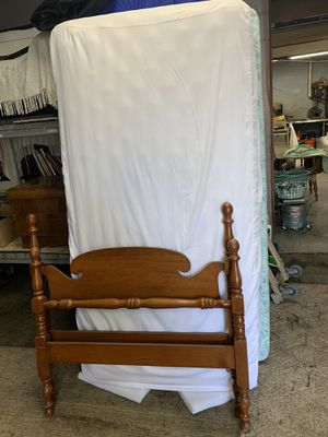 Twin bed with mattress and boxspring for Sale in Freedom, PA