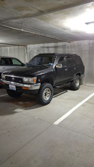Parting out 1992 Toyota 4 Runner SR5 for Sale in Tacoma, WA