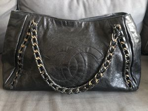 Authentic Chanel Tote bag for Sale in Palisades Park, NJ