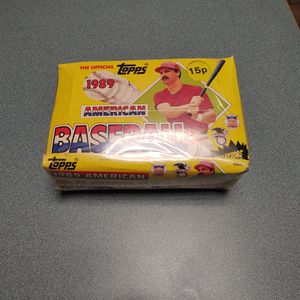 1989 Box Of Baseball Cards for Sale in Hanover, PA