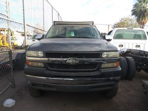 Chevy silverado 2001 for Sale in Phoenix, AZ