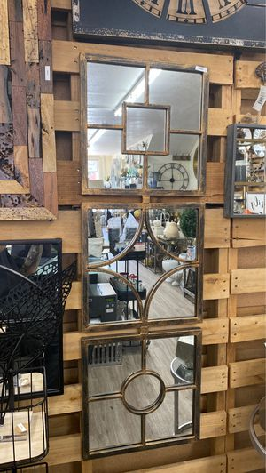 Wall hanging mirror for Sale in Los Angeles, CA