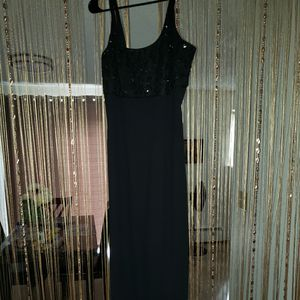 Black dress 8 for Sale in Torrington, CT