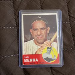 1963 Topps Togi Berra for Sale in Tracy,  CA