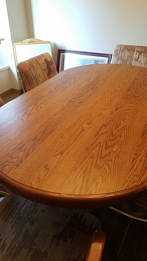 Dining table w/6 chairs for Sale in Tacoma, WA