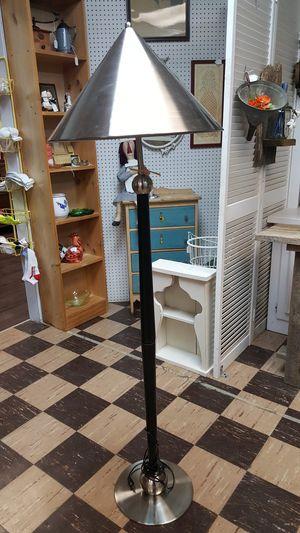 4ft. Floor lamp for Sale in Goodlettsville, TN