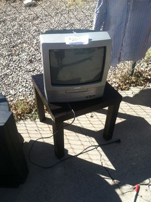 Tv that comes with a ( BUILT IN DVD PLAYER ) kinda hard to find these days. Only asking $25 for Sale in Albuquerque, NM