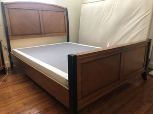 Queen bed frame for Sale in Augusta, GA