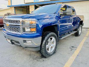 2014 Chevy Silverado 1500 only 35k miles for Sale in Pico Rivera, CA