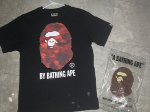 Bape tee size small 90$ for Sale in Cleveland, OH