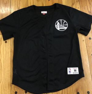 Warriors baseball tee. Size medium. for Sale in San Lorenzo, CA