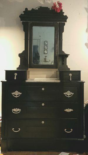 Antique Gentleman's Dresser for Sale in Concord, CA
