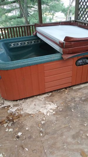 Hot tub for Sale in St. Louis, MO