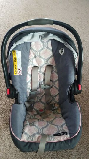 Infant car seat for $15 for Sale in Lubbock, TX