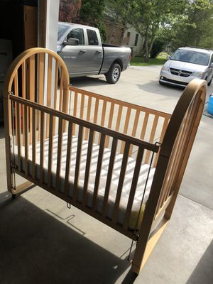 Used crib! Solid wood! for Sale in Mendon, MI