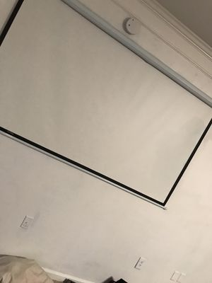 Projector Screen and Mount For Sell for Sale in College Park, GA