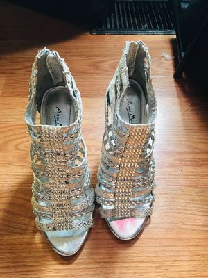 Gray high heels for Sale in Peoria, IL