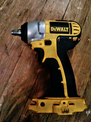 DeWalt 20v 3-8 impact for Sale in Sioux City, IA