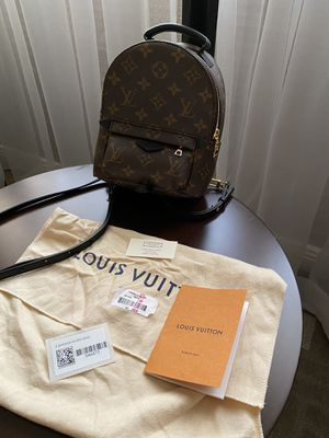 Louis Vuitton mini Palm springs for Sale in Ontario, CA