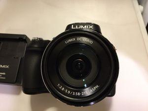 Panasonic LUMIX DMC-FZ70 16.1MP Digital Camera. for Sale in Tucson, AZ