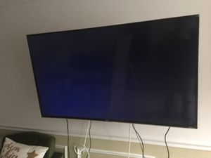 49-inch TCL Roku LED TV for Sale in Alexandria, VA