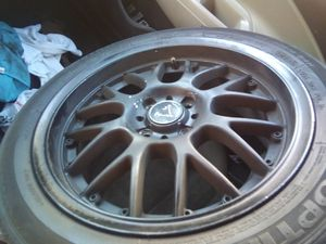 Size 17 raceing rim for Sale in Fresno, CA